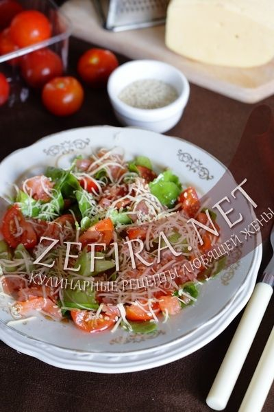 Салат из рукколы и слабосоленой семгой-домашние рецепты с фото