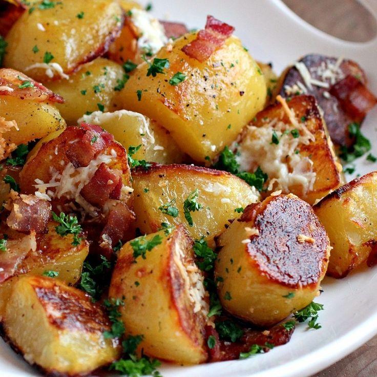 Cocina de la abuela. Patatas asadas al horno con tocino