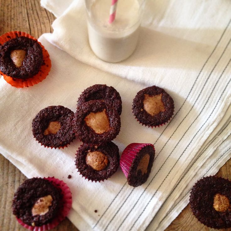Chocolate fudge peanut butter cups-cakes