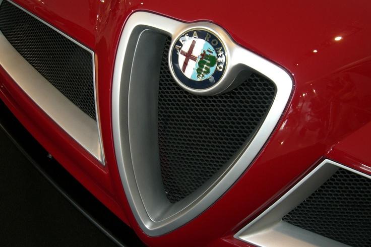 8 C Spider Alfa Romeo shield detail