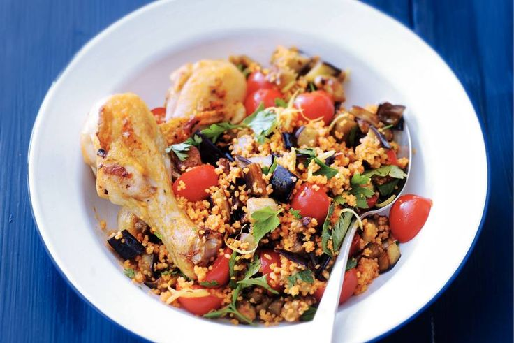 31 juli - Kipdrumsticks in de bonus - Lekker mediterraan couscousgerecht met aubergine, tomaat en kip - Recept - Allerhande