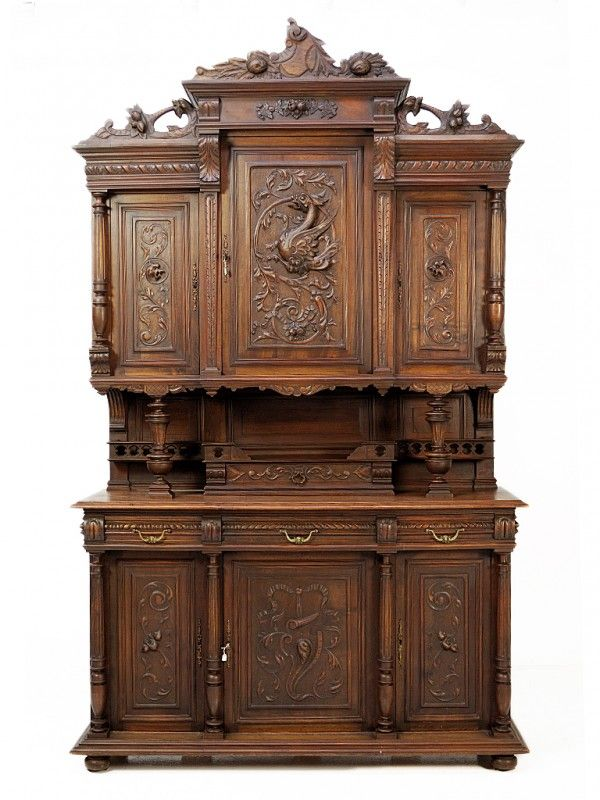 les 69 meilleures images propos de mobilier henri ii sur pinterest chasse armoire antique. Black Bedroom Furniture Sets. Home Design Ideas