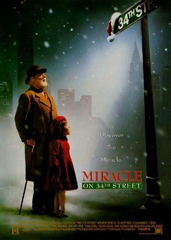 rok produkcji - 1994 Święty Mikołaj z centrum handlowego sprawia, że mała Susan znów zaczyna wierzyć w magię świąt. reżyseria:Les Mayfield