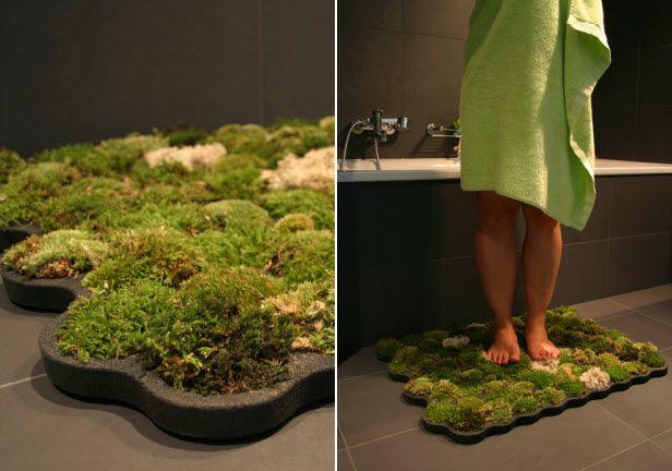 Moss Shower Rug (http://blog.hgtv.com/design/2013/09/03/daily-delight-moss-shower-rug/?soc=pinterest)