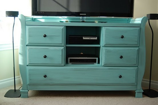 TV stand: Paintings Furniture, Tables Redo, Paintings Ideas, Old Dressers, Home Decor, Tv Stands, Great Ideas, Changing Tables, Entertainment Center