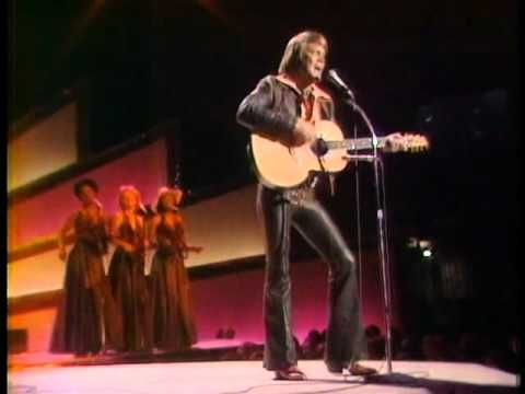 The Midnight Special 1975 - 18 - Glen Campbell - Rhinestone Cowboy - YouTube