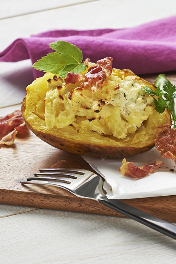 Gefüllte Ofenkartoffeln mit knusprigem Speck - Rezept | ich-liebe-kaese.de