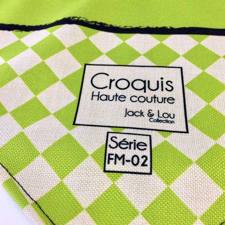 Le chouchou de ma boutique https://www.etsy.com/ca-fr/listing/513657487/foulard-pour-chiengrandeur-moyenboutons