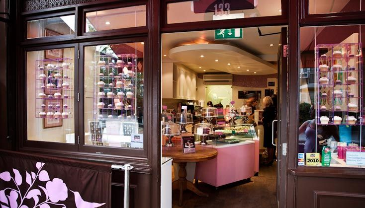 La Porte Verte: London cupcakeries, CUTE SHOP