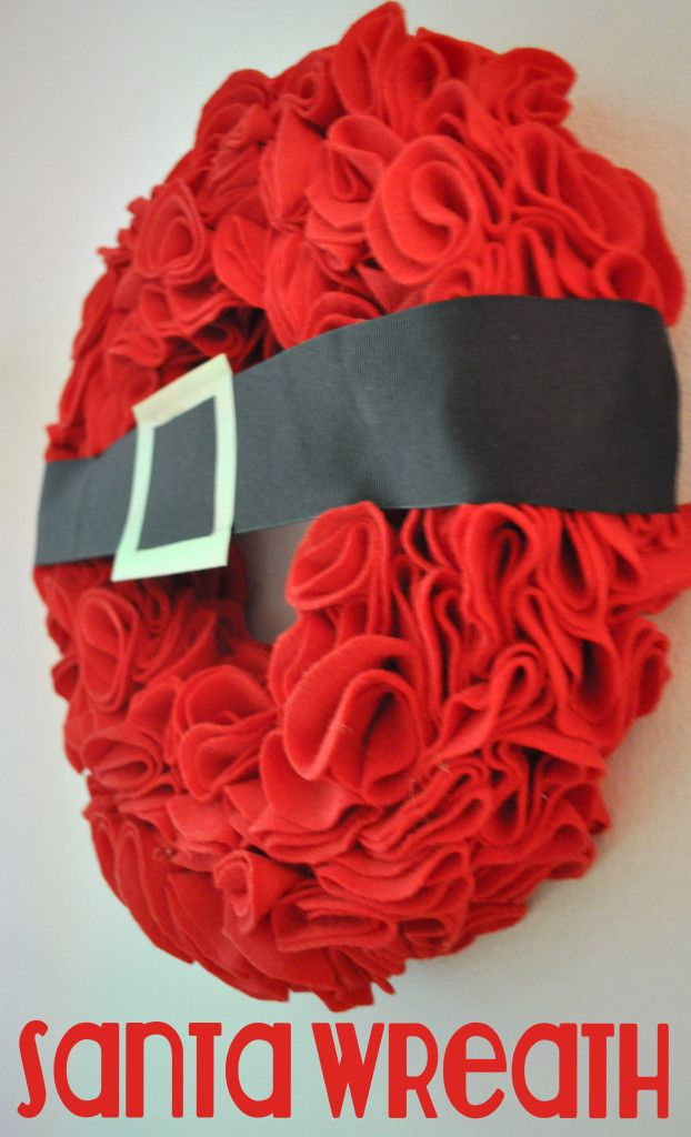 Santa Wreath Tutorial AND more Christmas Wreath ideas - The Love Nerds