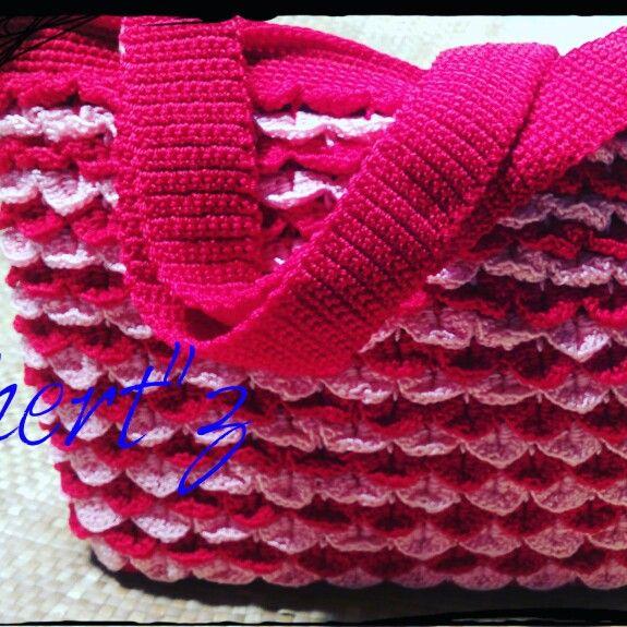 Crochet crocodile motif for bag