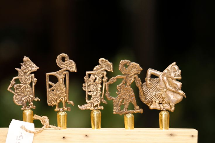 Ramayana figurines wine stoppers.  Signature wine accessories of Hatten Wines, Bali.  Find them at The Cellardoor, wine lifestyle boutique.