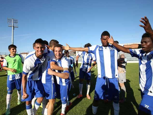 http://www.record.xl.pt/storage/2015_5/ngFFA17E43-6A5B-44BA-BBE4-290C228FE2A0.jpg #Moreto #MoretoCassamá #Cassamá #FCPorto #Catiosport Campeão Nacional Juniores 2014/2015