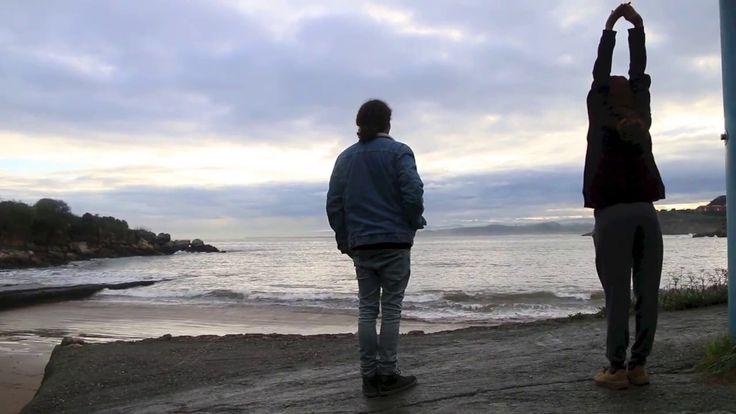 Una mañana para buscar olas surfeables en una marejada de Invierno.