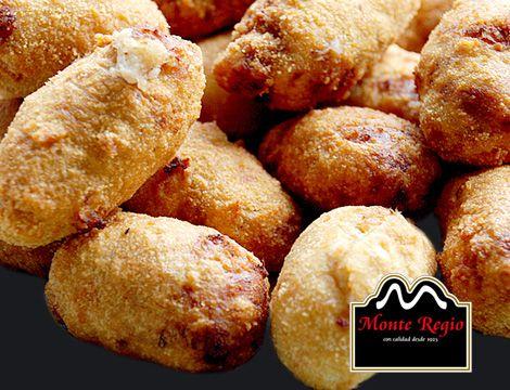 ¡Hora de comer! Croquetas con jamón serrano #MonteRegio, un placer para todos los sentidos.