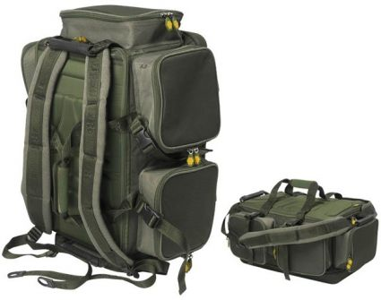 JRC Extreme Barrow/Backpack - JRC Extreme Barrow/BackpackJRC Extreme Barrow/Backpackär en fantastisk kombination av en väska och en ryggsäck.Väskan/Ryggsäcken har precis som hela JRC´s extreme range en grym kvalité både på sömmar och dragkedjor.JRC Extreme Barrow/Backpackhar massvis av smarta ytterfack och fickor så du enkelt kan organisera din packning.Mått 62x44x28cm