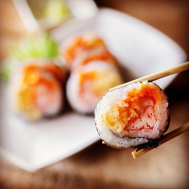 Sushi maistuu aina. Varsinkin maanantaisin. St. Peter Linen laivoilla sushit tehdään tilausta tehdessä ja tarjoillaan miso-keiton kanssa. Tsekkaa tuo: http://www.peterline.fi/sushibaari-kampai #syömään #maanantai #sushi #tulikonälkä #kampai #stpeterlinesuomi #stpeterline #risteilyllä #loma #ruoka #laivalla
