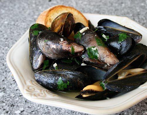 Mussels in Butter Garlic Sauce