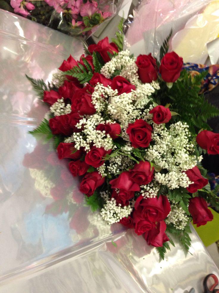 34 rose rosse per un compleanno www.fioreriasarmeola.com  Rose Rosse  Pinterest  Roses