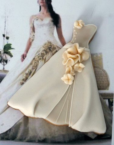 Bridal Couture wedding cookies that look like the wedding gown