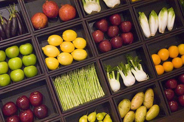 Vă doriți un tabel cu alimente bun de lipit pe frigiderul din bucătărie? Vă prezentăm tabelul diversificării!