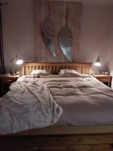 Angel wings, bedroom