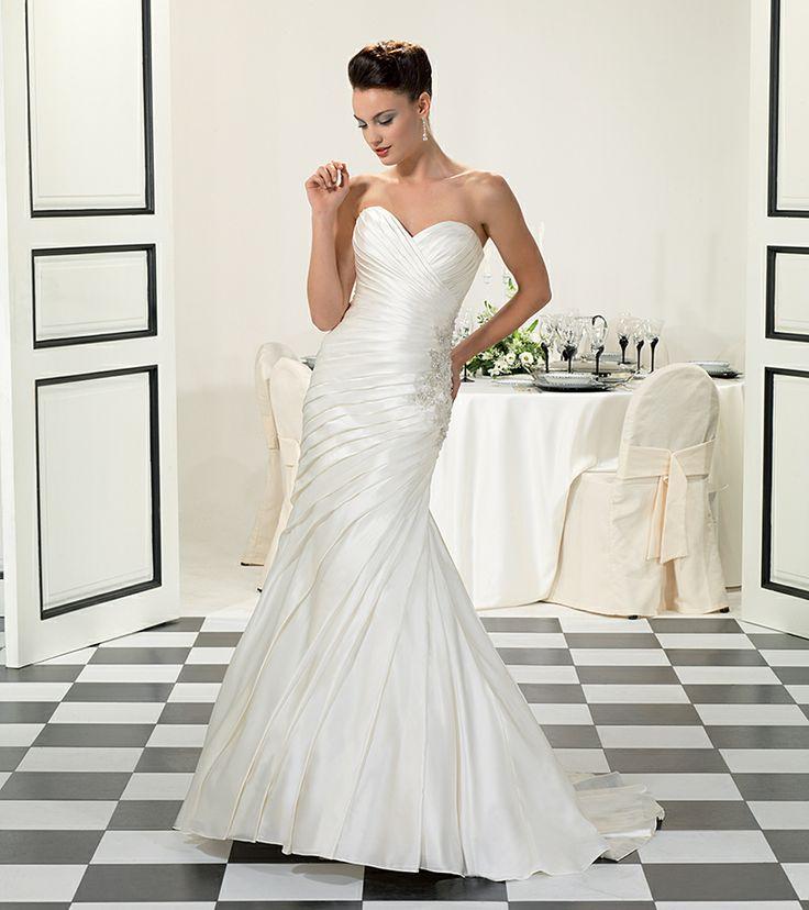 Delicate Sweetheart Mermaid Pleat Beach Simple Summer Wedding Dresses Applique Beautiful Bridal Wedding Dress Sweep Train 2014 $152.00