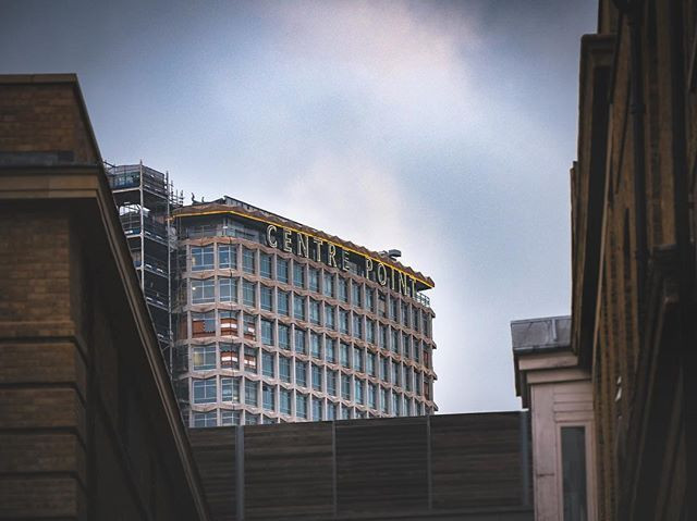 Centre Point  #newbuilding #oldandnew #centrepoint #igers #igerlondon #fastpace #thisislondon #igersoftheday #igersdaily #daily #dailypost #iglife #explorer #explore #neverstopexploring #lookaround #serialtraveler #exklusive_shot #beautifuldestinations #visualoftheday #ig_LondonUK #kings_villages #agameoftones #toplondonphoto #ig_masterpiece #visitlondon #picoftheday