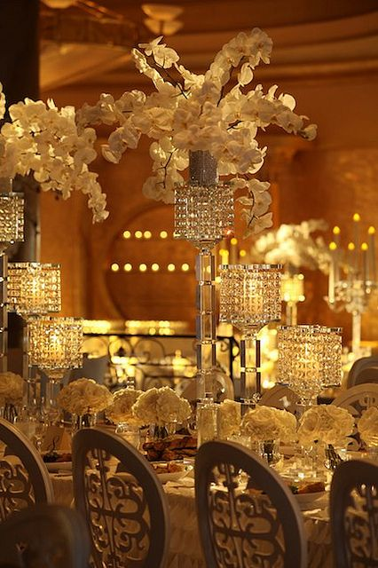 Pretty Gatsby inspired reception