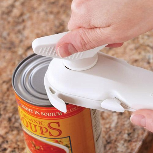 THE BEST CAN OPENER EVER!!  Smooth-Edge Can Opener