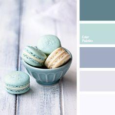 Farben des Meeres im Winter — Dunkelflieder, Flieder, blasses Hellblau, blasses Grau und Weiß — eignen sich für die Räume, wo man nach der Kühle sucht. Die.