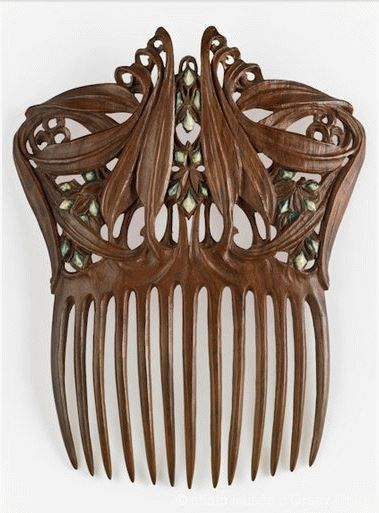 Paul Follot polychromed wood - between 1905 and 1910. Comb for Hair.   Musée…