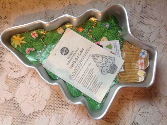 Vintage Wilton Christmas Tree Cake Pan 1991 Holiday Cake