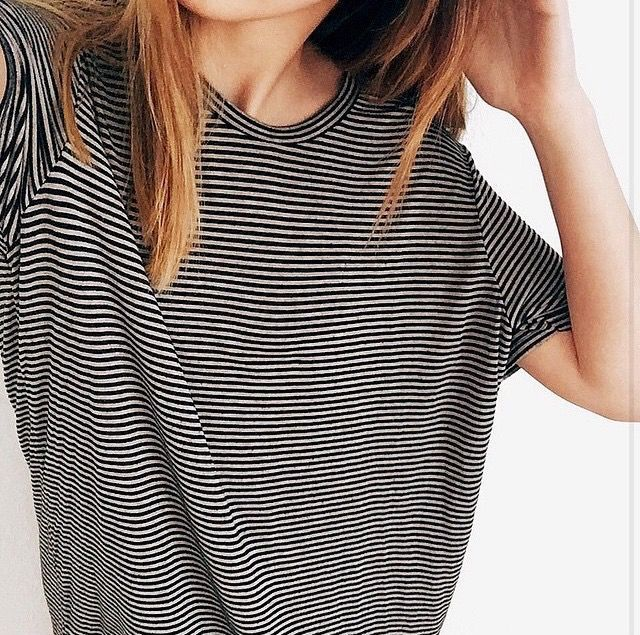 if you stare at her shirt while scrolling up and down it'll do weird things to your eyes