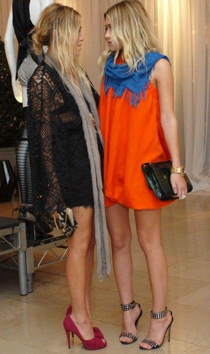 mary kate and ashley olsen, orange dress with cobalt blue scarf
