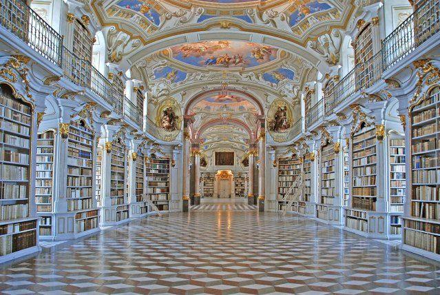De 10 meest betoverende bibliotheken van Europa – Veel bibliotheken hebben sinds de komst van e-boeken hun deuren moeten sluiten. Maar toch hebben (oude) bibliotheken met hun stiltebeleid, de papiergeur en de vaak knusse sfeer een bepaalde charme waar het digitale geweld niet …