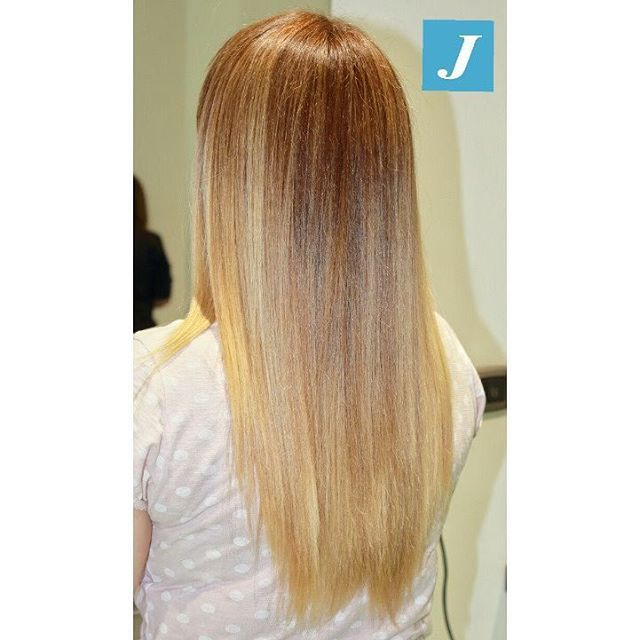 Le sfumature perfette del Degradè Joelle  #degrade #degradejoelle #blonde #braid #braidideas #brown #brunette #coolhair #curly #fashion #hair #haircolor #haircolour #haircut #hairdo #hairdye #hairfashion #hairideas #hairofinstagram #hairstyle #hairstyles #instafashion #instahair #longhair #longhairdontcare #perfectcurls #straight #straighthair #style
