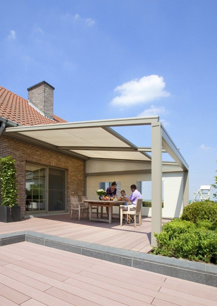 Wall-mounted pergola with sliding cover LAGUNE® by RENSON®