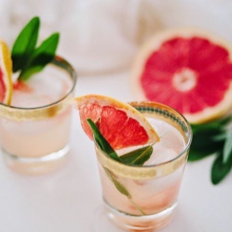 Champagne cocktails with a hint of grapefruit