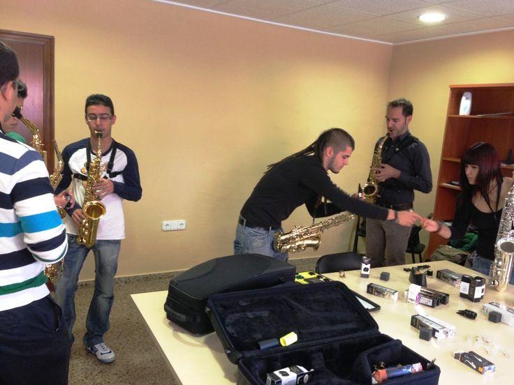 ¡¡Probando más saxofones!!