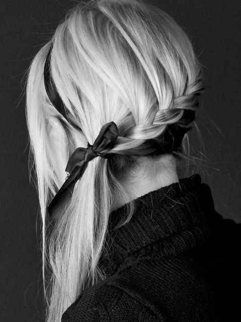Looks almost like an upside down version of the waterfall braid. I like it, I'll have to try it.
