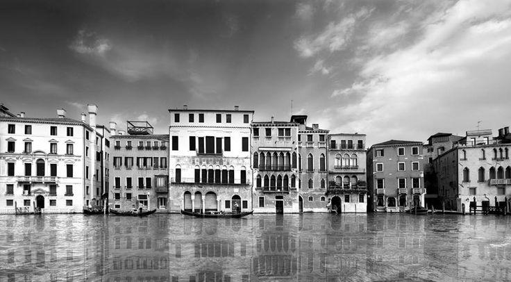 Palazzo Cà Da Mosto, Venice.  Unlimited edition. Printed on Fine Art Paper 50 x 70 (Paper size)  Signed by Fabio Bressanello