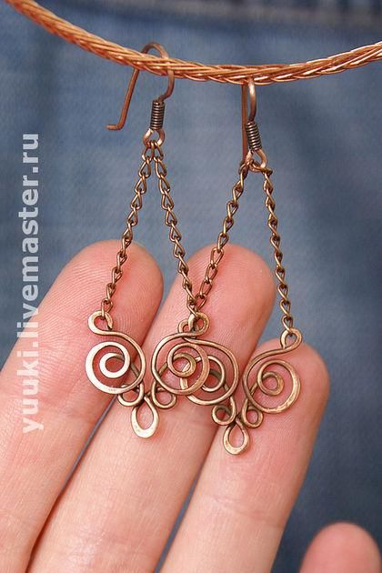 Wire wrapped dangle earrings. Craft ideas from LC.Pandahall.com         #pandahall