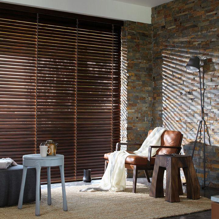 Laat u inspireren door Luxaflex raamdecoratie Caspar Dekkers Interieurs. Houten Jaloezieën - 50 mm www.cdinterieurs.nl