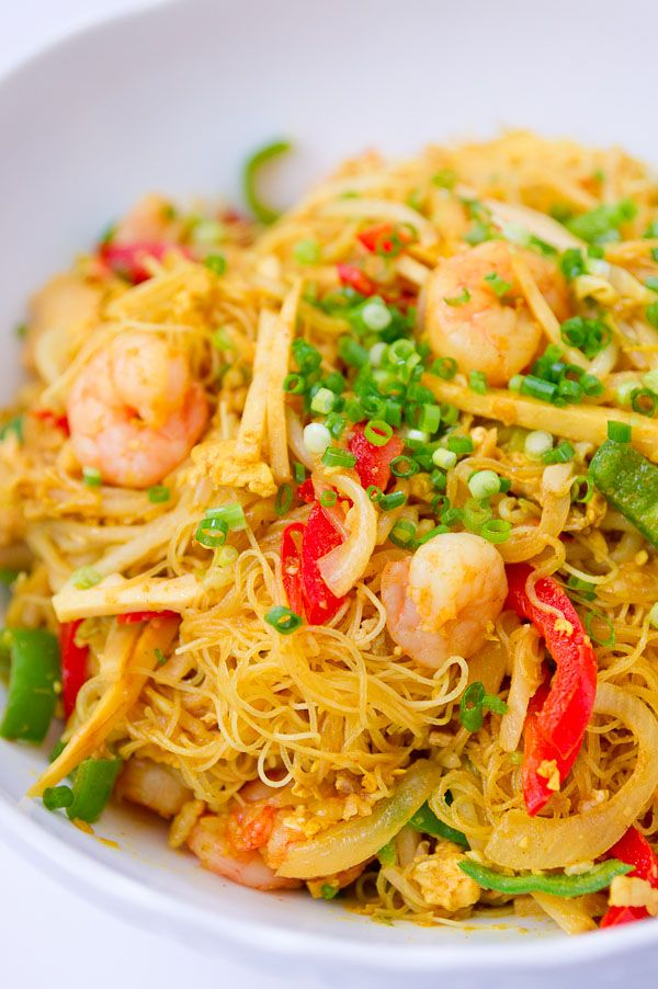 Another Chinese-American favorite Singapore Noodles...  The Chinese really know how to use thin noodles. God, I love thin noodles.