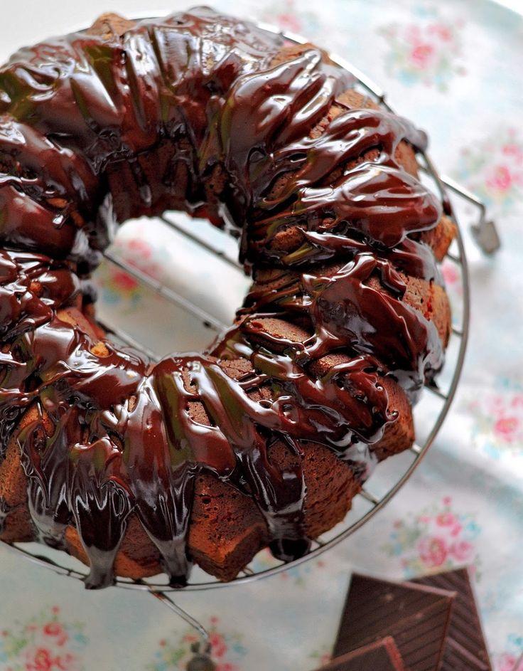 OBSESIÓN CUPCAKE: Neapolitan Bundt Cake