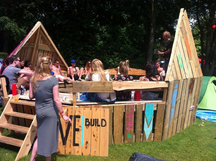 Disco outfits & silent disco op Amsterdam Open Air