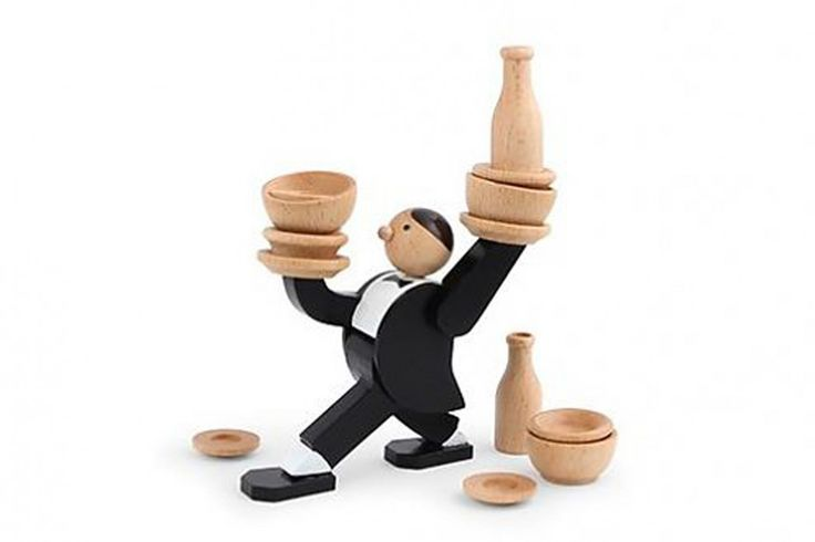 Don't Tip The Waiter van Kikkerland  Hoeveel servies kan de ober aan? Lukt het jou om al het servies op de ober te zetten? Of is het servies toch niet stabiel en valt de ober om?! Don't Tip The Waiter is een zenuwslopend en ontzettend gezellig spel. Speel dit spel alleen of gezellig met je familie en/of vrienden. Durf jij het aan?  #kikkerland #jumbo #spel #kindercadeau