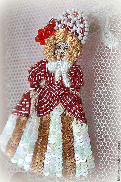 Irena Gasha детская коллекция - Брошь - Молодая девушка со старинной открытки
