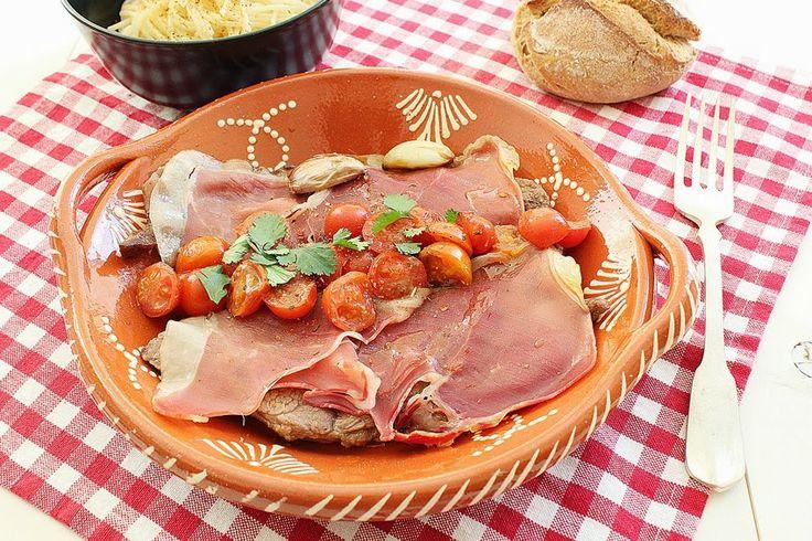 Cozinhadaduxa: Bifes com Presunto em Redução de Moscatel